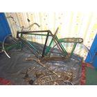 Старые велосипедные рамы (СССР).