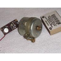 Движок от магн. кассетника с платой стабилизации вращения.