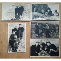 Фотосессия на картошке. Студенты Минского института иностранных языков. 1956 г. 9х13 см. 5 фото.