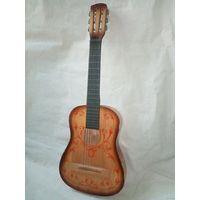 Гиталеле маленькая гитара по назначению или для декора
