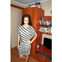 Сама красота из Италии . Платье с золотой нитью р.М-Л