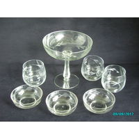 Сборный комплект на 3 персоны из тонкого стекла с резным рисунком (ваза для фруктов, стаканы для сока и креманки) СССР (винтаж) ТОРГ