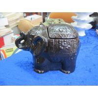 Чайница-слон, керамика, 12*17*10 см.