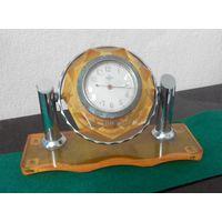 Часы настольные ЧЧЗ (Чистопольский часовой завод) из СССР 1954 г.