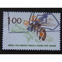 Франция 1979г. Пчела.