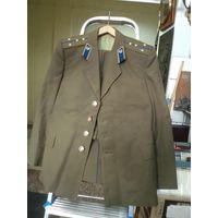 Повседневный мундир(китель и брюки) капитана КГБ СССР + бонус(куртка). Размер 46-48/3.