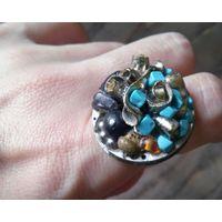 Крупное эффектное кольцо с натуральными камнями, ручная работа