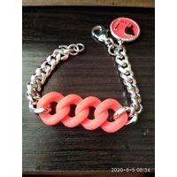 Новый браслет из розового силикона и цепочки под серебро.