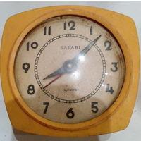 Часы-будильник SAFARI