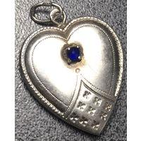 Кулон-сердце серебряный.