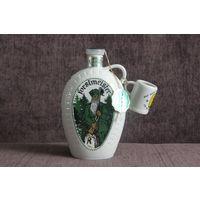 Штоф фарфоровый (бутылка, фляжка) Forstmeister Германия (гдр) с чашкой, оригинал, клеймо,  (пустая).