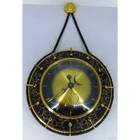 Старинные механические настенные металлические часы