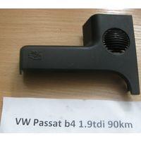 100621 Накладка VW Passat B4 3a1819741