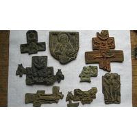 Части крестов складней на реставрацию.