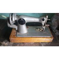 Швейная машинка Чайка кл-2М, ретро. в рабочем состоянии,надо чистить от пыли, подставку надо ремонтировать