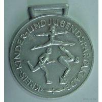 Медаль спортивная ГДР. Размер 5см. Алюминий_1