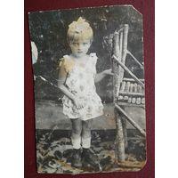 Фото девочки. 1930-е. 8х11.5 см.