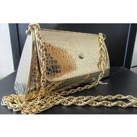 Золотая металлическая сумочка на цепочке винтаж аксессуар