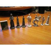 Старинные оловянные шахматные фигурки одним лотом.