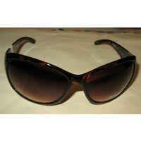 Очки солнцезащитные unisex американской фирмы KENNETH COLE reaction  Model: 1101 Color Code: 052F Оригинальные, новые , привезены с европы
