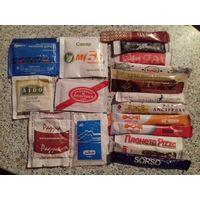 Сахар в пакетиках.