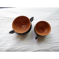 Пиала, три чашки и кружка металлическая.