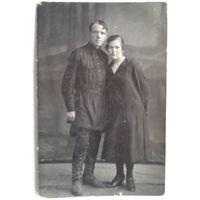 Фото мужчины и женщины. 1927 г. 9х14 см