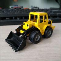 Трактор (siku)