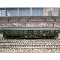 Пассажирский вагон 2-1-го класса ROCO. Масштаб НО-1:87.