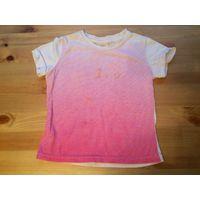 Майка на 3-4 года (рост 104см) бело-розовогоо цвета из натурального хлопка с неопредельнным рисунком. Длина 33см, ПОгруди30см.