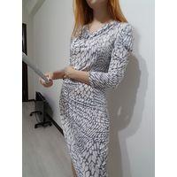 Ассиметричное пестрое платье
