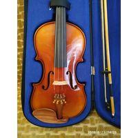 Скрипка 4/4, чехол, смычок, мостик, канифоль. Прошла музыкальную школу. Состояние 9 из 10. Этикетки внутри нет. В отличном состоянии. Настроена.