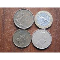 Четыре монеты  по 1 рублю 37
