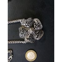 Продам ожерелье , большой кулон