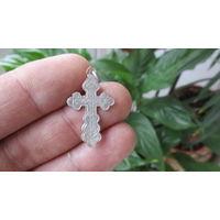 Нательный крестик серебренный