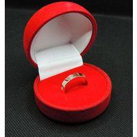 Роскошное кольцо Au_585 с бриллиантами (6 шт.), Р18 , 4.35 гр.