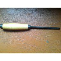Стамеска/долото  с Деревянной ручкой.