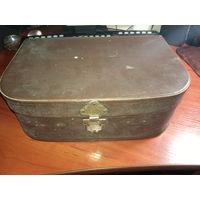Классный старый чемоданчик с обалденными игрушками 19 шт. С чердака.