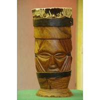 Барабан африканский , объемная резьба  ( дерево , нат . кожа )  высота 40,5 см