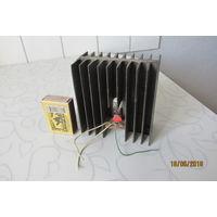 Транзистор на радиаторе кт829б