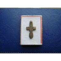 Редкий старинный нательный крестик       (3235)