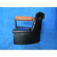 Утюг старинный угольный трубач размер 7