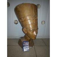 Бюст Нефертити.(из алебастры) 43 на 25 см