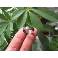Старинное кольцо с геометрическим орнаментом
