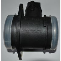 Расходомер воздуха Bosch  0 280 218 032. 06A 906 461D  AUDI SEAT SKODA VOLKSWAGEN 1.8 Датчик расхода воздуха