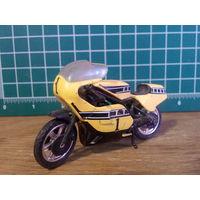 Модель мотоцикла GP 500 в масштабе 1:24