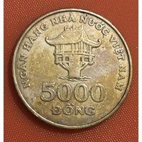 106-11 Вьетнам, 5000 донг 2003 г.