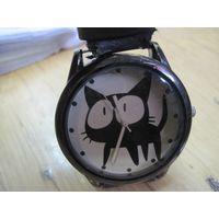 Часы кварцевые Kuromi.