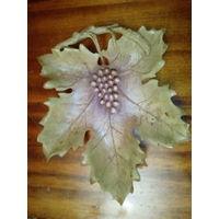 Декоративный поднос для фруктов в виде кленового листа