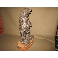 С 1 рубля!Статуэтка старая скульптура Медведь полимер высота 33 см.